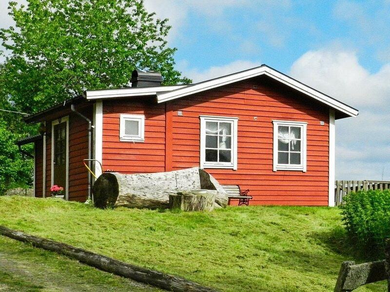 5 person holiday home in DINGLE – semesterbostad i Fjällbacka