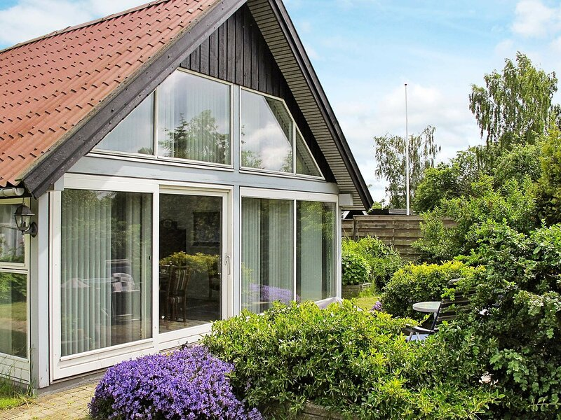 Luxurious Holiday Home in Stroby Egede near Sea, holiday rental in Koege Municipality
