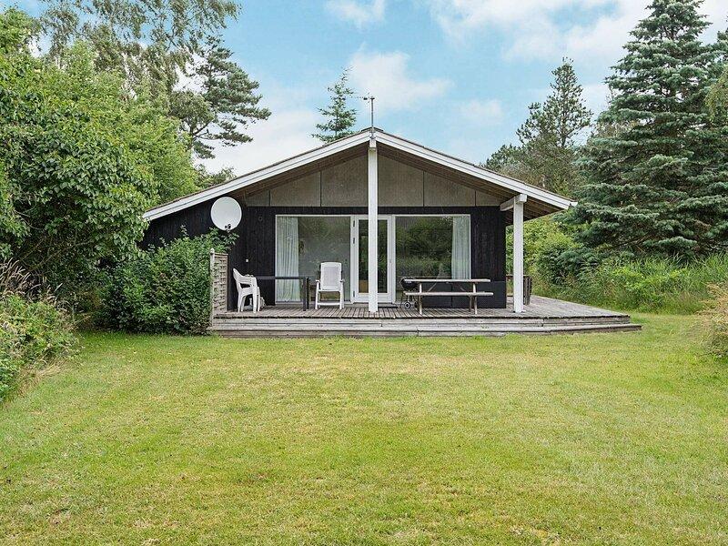 Comfortable Holiday Home in Ebeltoft with Sauna, Ferienwohnung in Elsegaarde Strand