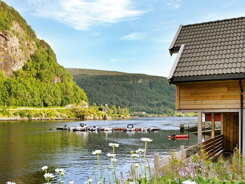 4 star holiday home in Leirvik I Sogn, holiday rental in Matre
