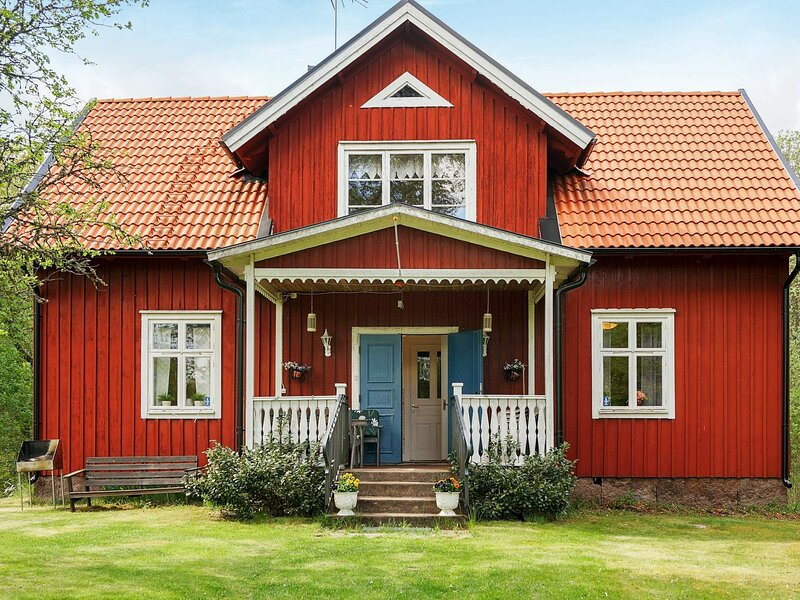 8 person holiday home in ÖRSJÖ, holiday rental in Nybro