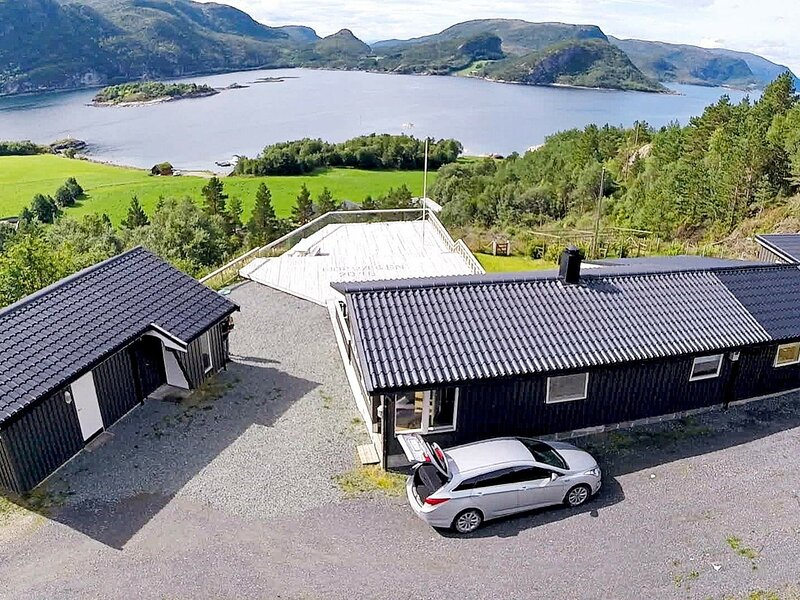 8 person holiday home in Sundlandet, alquiler de vacaciones en Trondelag