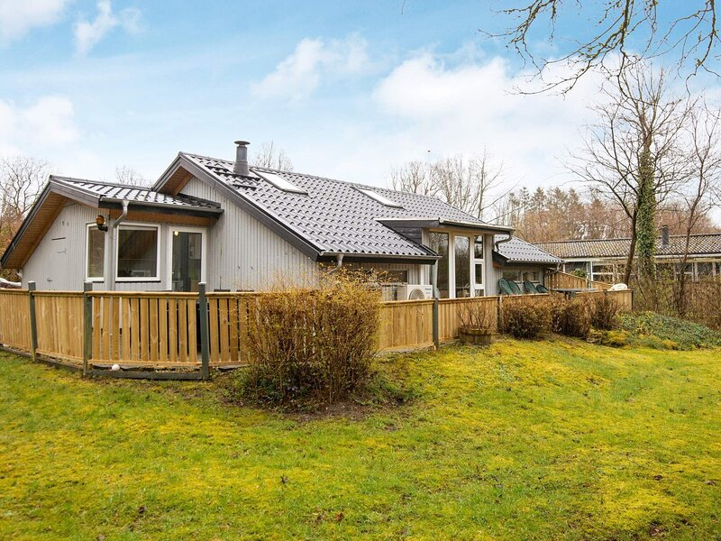 Peaceful Holiday Home in Arrild Jutland with Terrace, holiday rental in Ribe