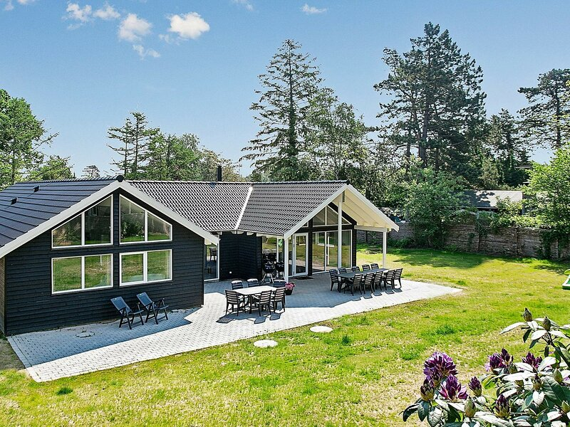 Modern Holiday Home in Liseleje Denmark with Indoor Pool, location de vacances à Kulhuse