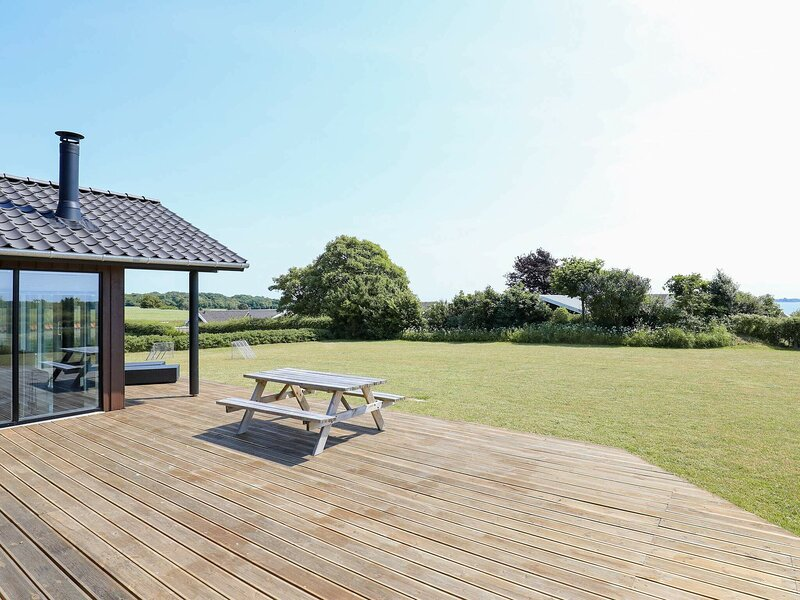 Charming Holiday Home in Faaborg Funen with Terrace, holiday rental in Millinge