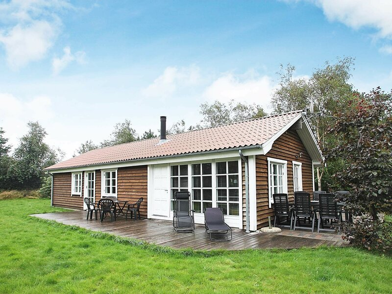 Tranquil Holiday Home in Fjerritslev Jutland with Terrace, holiday rental in Jammerbugt Municipality
