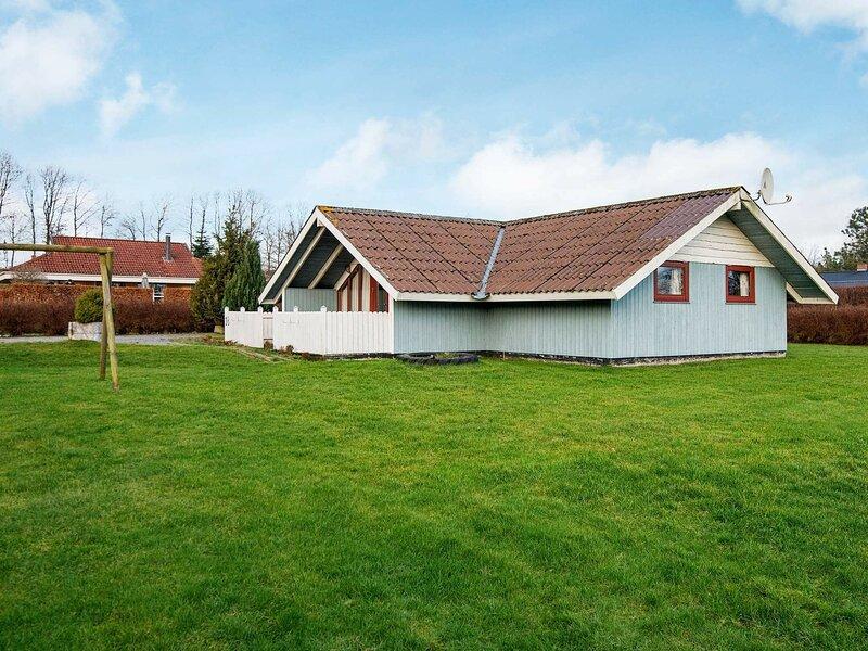 Stunning Holiday Home in Jutland Denmark with Garden, vacation rental in Christiansfeld
