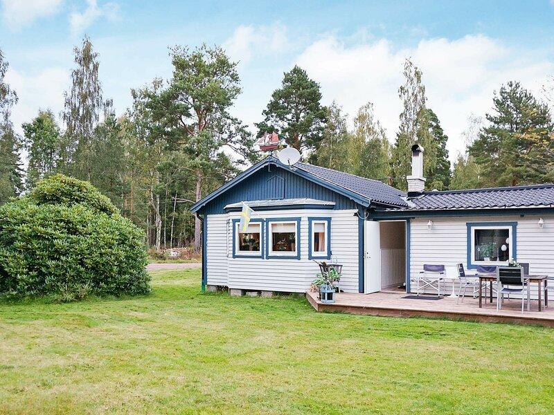 4 star holiday home in Mönsterås, location de vacances à Lottorp