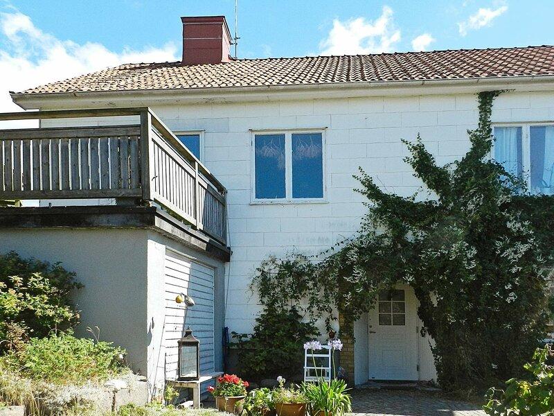 3 person holiday home in LYSEKIL – semesterbostad i Fiskebäckskil
