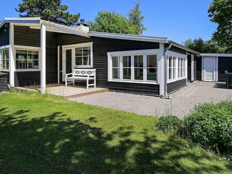 Exquisite Holiday Home in Gilleleje near Sea, holiday rental in Gilleleje
