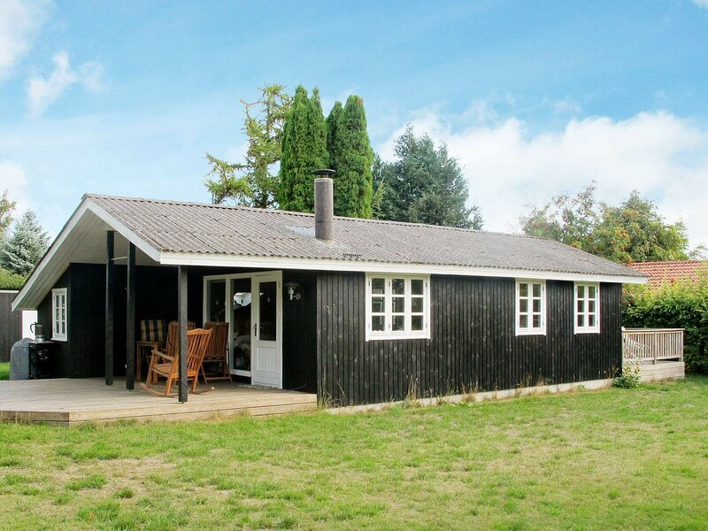 Cozy Holiday Home in Stege Close to Beach With Shower, holiday rental in Vordingborg Municipality