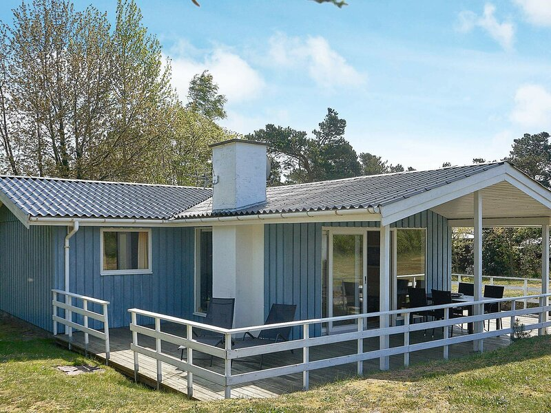 Modern Holiday Home in Aakirkeby Near Boat Harbor, holiday rental in Akirkeby