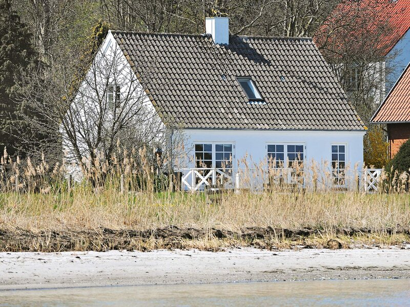 6 person holiday home in Helnæs / Ebberup, holiday rental in Millinge