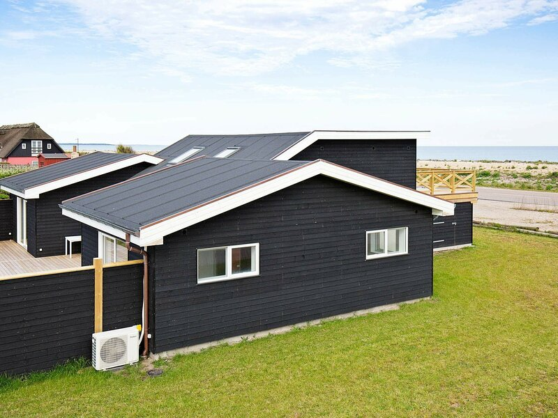Modern Holiday Home in Hundested Near the Ocean, location de vacances à Kulhuse