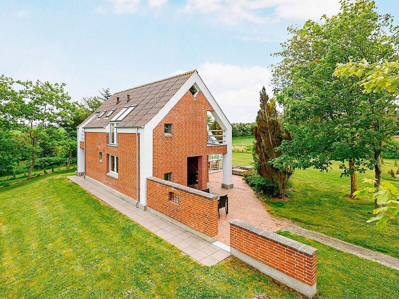 Modern Holiday Home in Farsø With Swimming Pool, holiday rental in Viborg