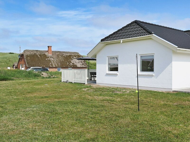 Luxury Holiday Home in Harboøre With Sauna & Whirlpool, holiday rental in Ferring