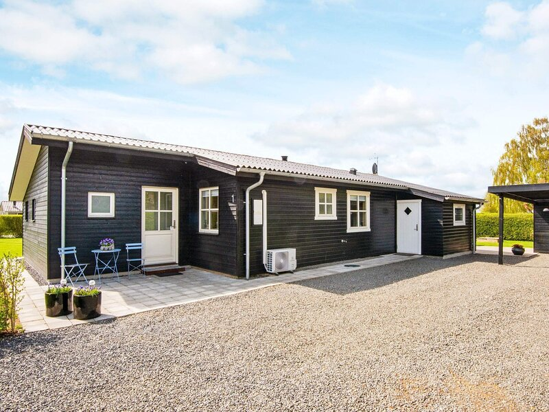 Serene Holiday Home in Hejls on Amidst Nature, vacation rental in Christiansfeld