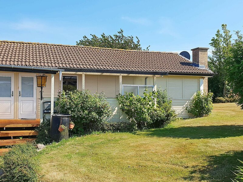 Rustic Holiday Home in Augustenborg Near the Sea, holiday rental in Millinge