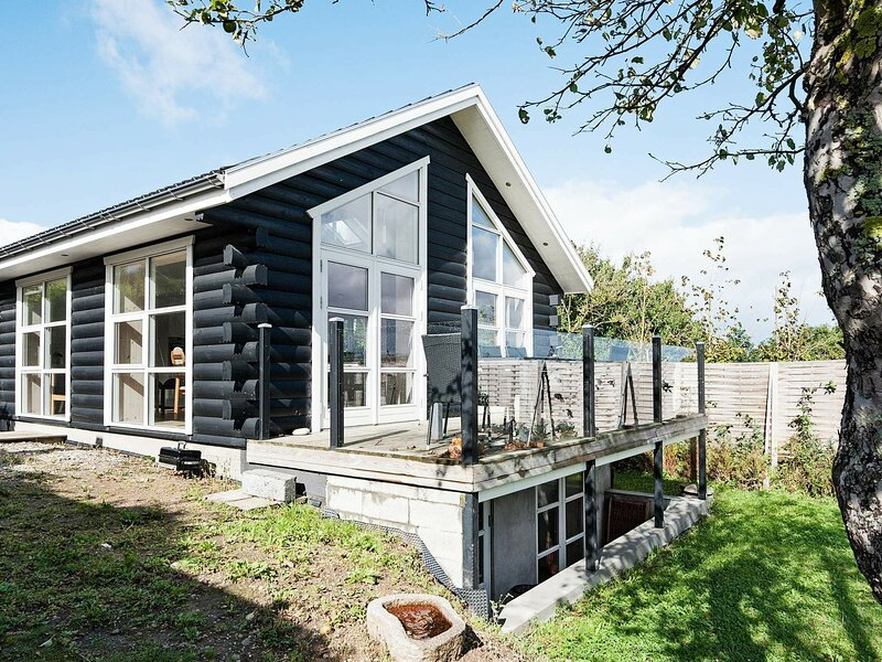 Beautiful Holiday Home in Børkop With Panoramic Sea View, holiday rental in Skive