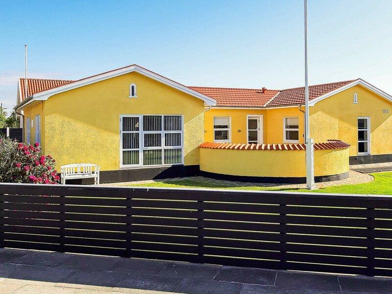 Peaceful Holiday Home in Skagen Located Near Village Center, holiday rental in Skagen