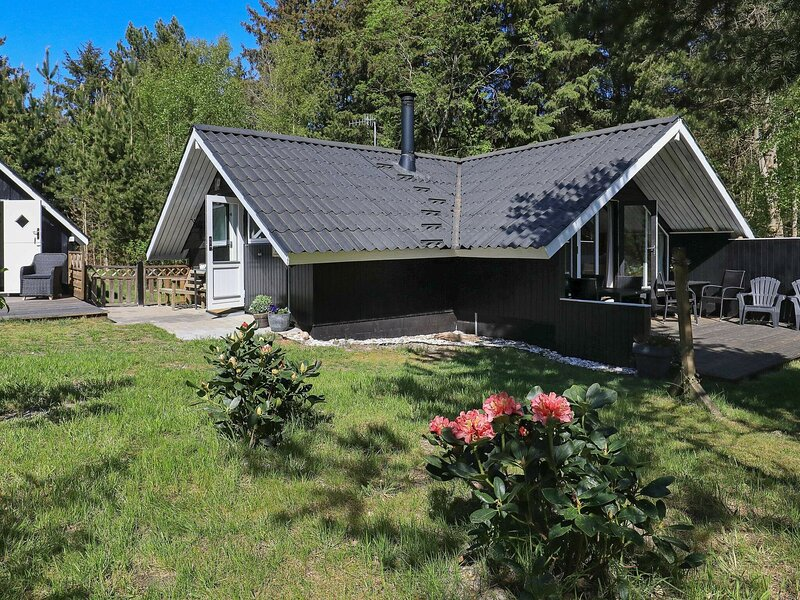 Idyllic Holiday Home in Sæby Amidst Natural Surroundings, holiday rental in Asaa