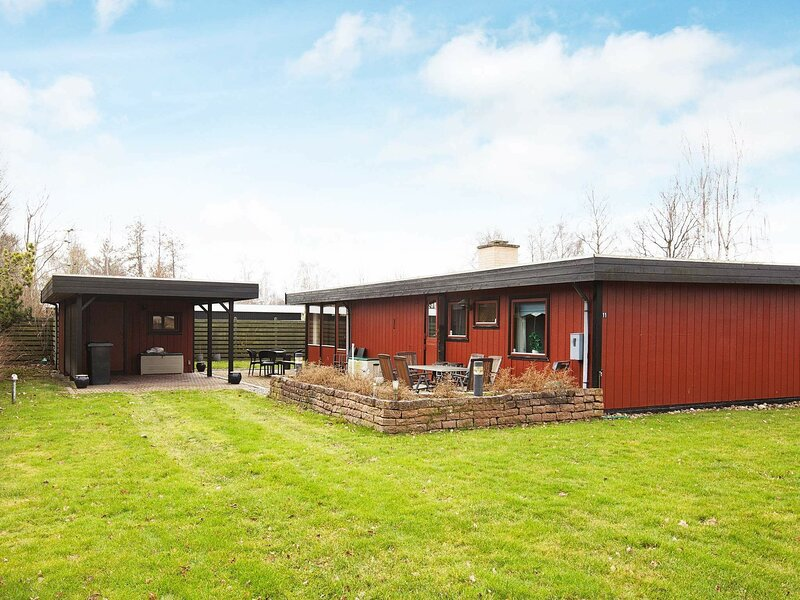 Charming Holiday Home in Store Fuglede on Natural Plot, holiday rental in Kalundborg Municipality
