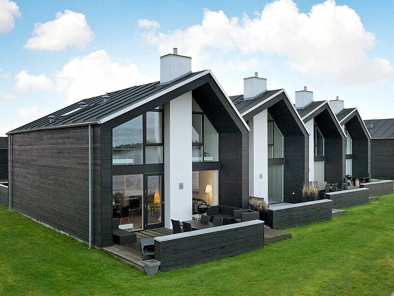 Modern Holiday Home in Hadsund With Whirlpool, casa vacanza a Mariagerfjord Municipality