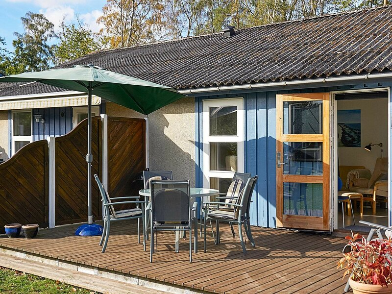 Modern Holiday Home in Bornholm with Swimming Pool, location de vacances à Dueodde