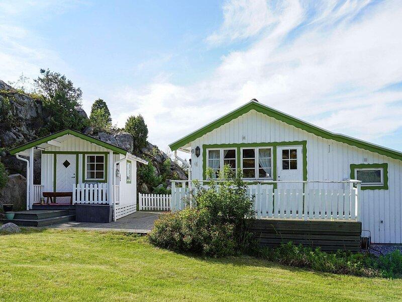 4 person holiday home in STRÖMSTAD, location de vacances à Halden Municipality