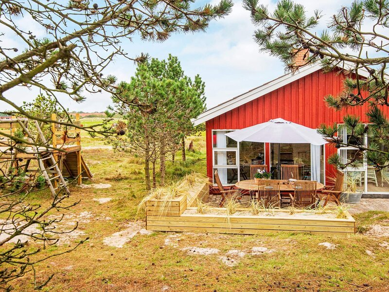 Modern Holiday Home in Jutland with Terrace, holiday rental in Fanoe
