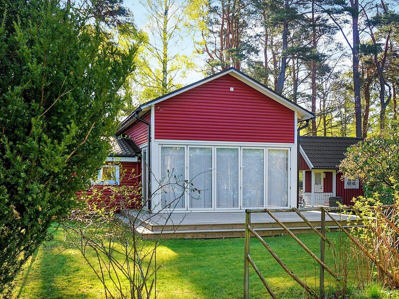 8 person holiday home in VARGöN – semesterbostad i Trollhättan