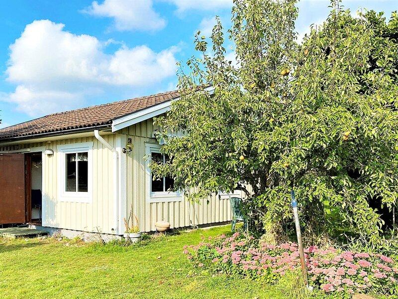 5 person holiday home in BÅSTAD – semesterbostad i Torekov