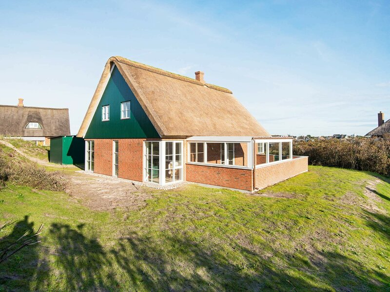 Luxurious Holiday Home in Jutland with Terrace, holiday rental in Fanoe