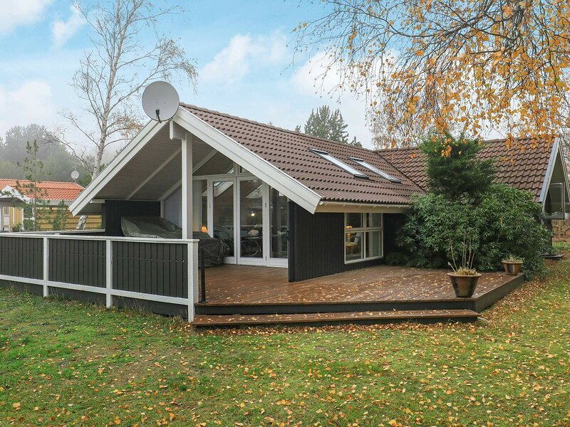 Modern Holiday Home in Rødby with Terrace, holiday rental in Maribo