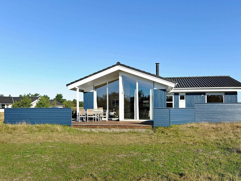 Chic Holiday Home in Fanø with Sauna, holiday rental in Fanoe