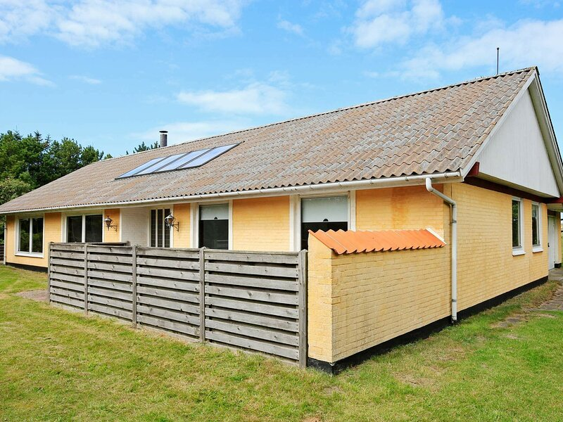 Cozy Holiday Home in Skagen with Sauna, holiday rental in Hulsig