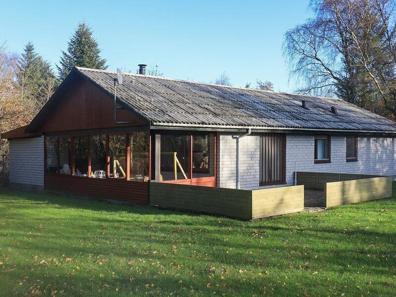 Modern Holiday Home in Vesløs with Terrace, location de vacances à Jorsby