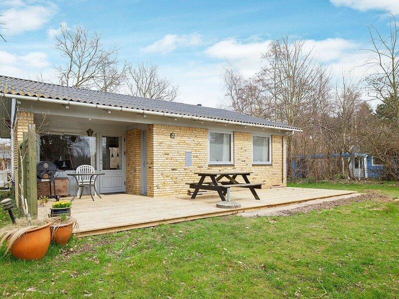 Cozy Holiday Home in Lolland with Garden, casa vacanza a Nakskov