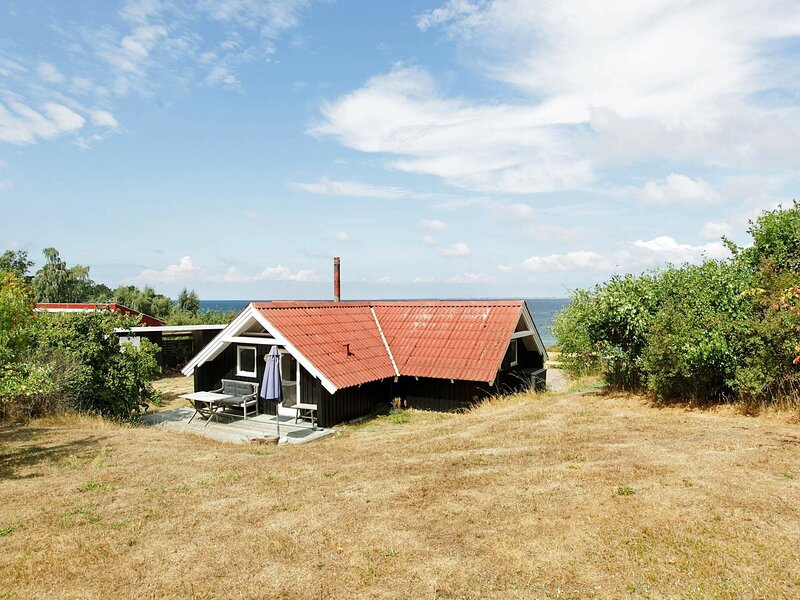 Gorgeous Holiday Home in Zealand with Sea Views, alquiler vacacional en Grevinge