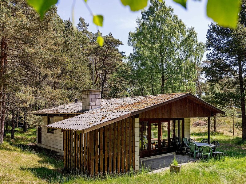 Cozy Holiday Home in Nexo Close to Dueodde Beach, holiday rental in Balka