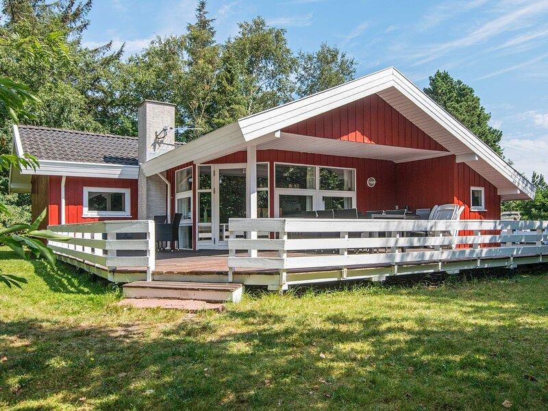 Cozy Holiday Home in Romo with Garden, casa vacanza a Roemoe Kirkeby