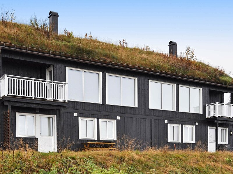 11 person holiday home in Øyer, holiday rental in Lillehammer