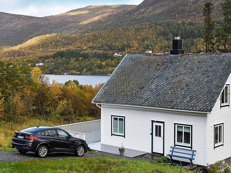 0 person holiday home in Gursken, alquiler vacacional en Hakallestranda