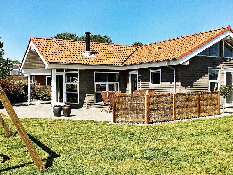 Modern Holiday Home in Sjølund Jutland with Sauna, holiday rental in Vejen