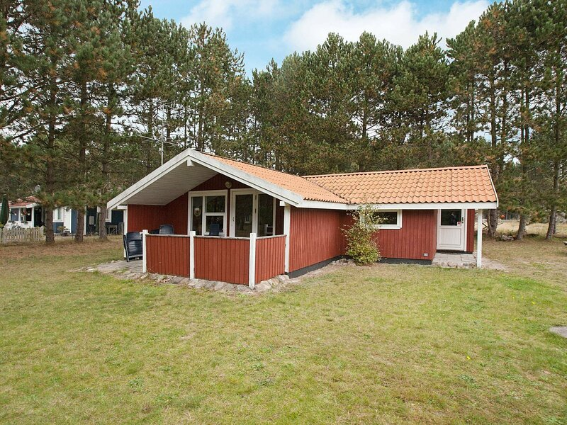 Modern Holiday Home in Rødby Lolland with Barbecue, holiday rental in Maribo