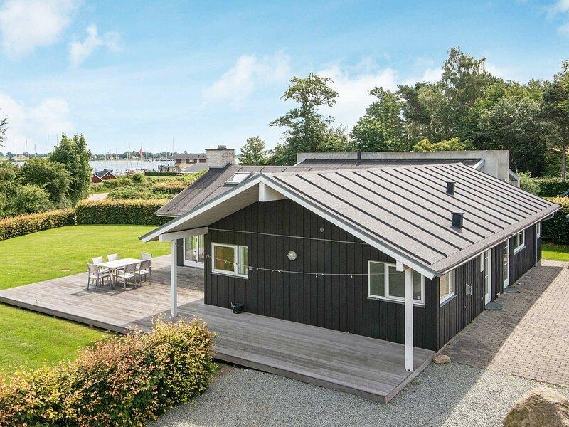 Breezy Holiday Home in Jutland with Sauna, location de vacances à Odder