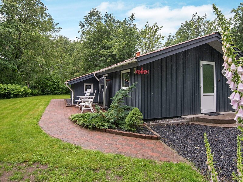 Elegant Holiday Home in Toftlund with Terrace, holiday rental in Ribe