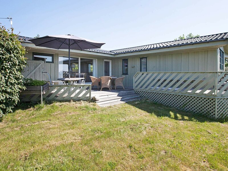 Sunny Holiday Home in Ebeltoft near Sea, holiday rental in Balle