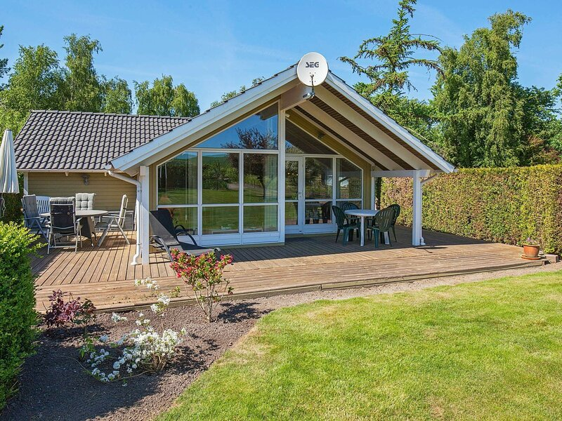 Beautiful Holiday Home in Zealand with Private Whirlpool, holiday rental in Kalundborg Municipality