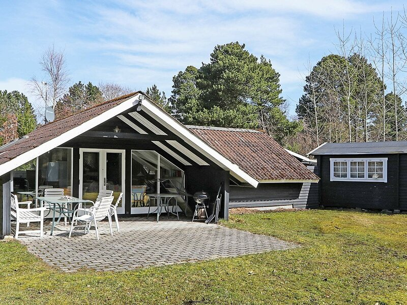 Modern Holiday Home in Lolland with Terrace, holiday rental in Maribo